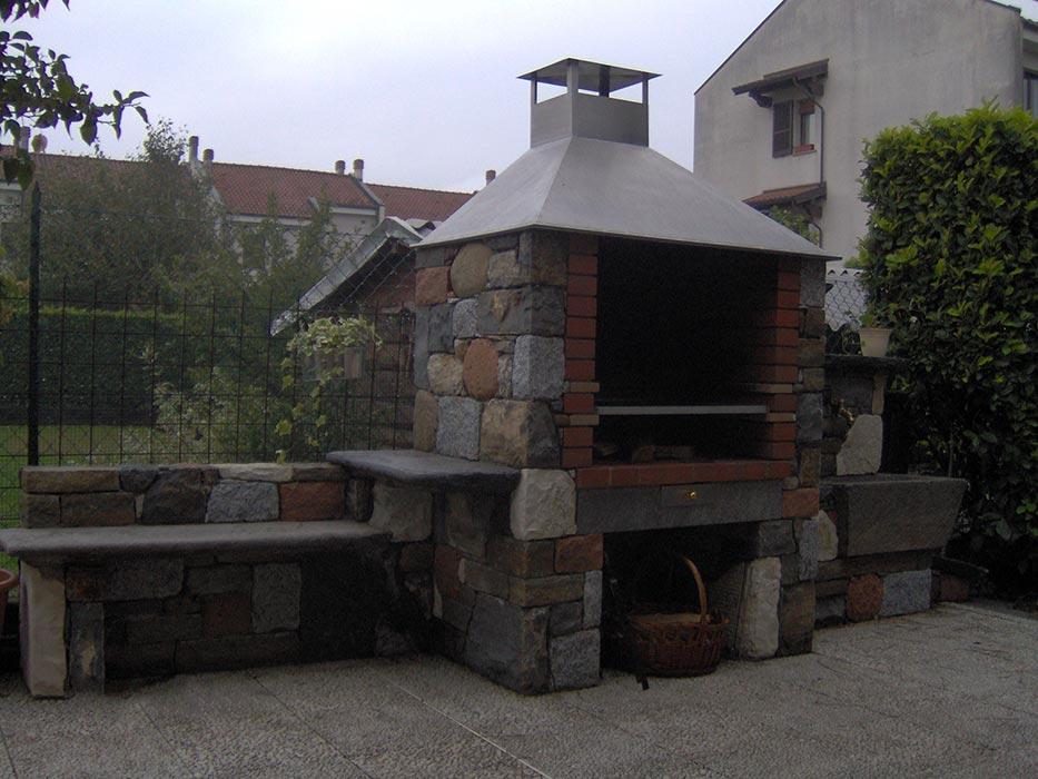 L era della pietra lavorazione pietra di luserna pietre co - Barbecue in pietra per esterni ...